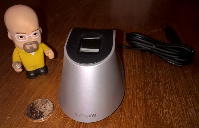 Fingerprint scanning with the 'Suprema BioMini' and
